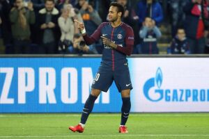 Apesar das suspeitas, a assessoria de Neymar afirmou que os dois não estão mantendo um relacionamento amoroso e que são apenas amigos
