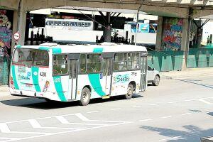 Desde o último domingo, a passagem em Santos está custando R$ 4,30 - R$ 0,25 a mais por viagem. Prefeitura justifica reajuste