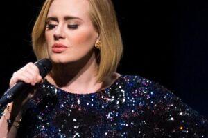 A cantora Adele, 30.