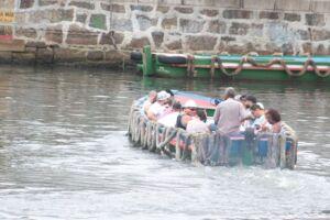Os catraieiros salvaram a travessia quando as barcas da Dersa foram suspensas pela Marinha.