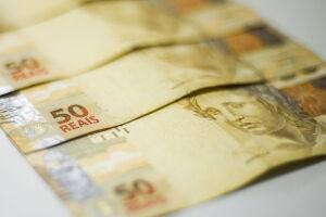 De janeiro a março, a arrecadação somou R$ 385,341 bilhões, com crescimento real de 1,09%