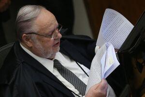 Felix Fischer votou hoje (23) para reduzir a condenação do  ex-presidente Luiz Inácio Lula da Silva no caso do tríplex do Guarujá