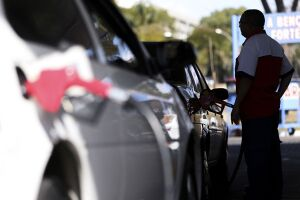 Em São Paulo, o litro da gasolina subiu 0,92%, de R$ 4,132 para R$ 4,170, em média
