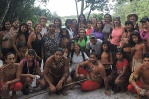 No espaço da Ocaruçu os visitantes participaram de piquenique coletivo, onde cada um contribuiu com um prato e uma bebida.