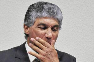 A acusação diz que, nesse caso, ele lavou R$ 27 milhões dos R$ 126 milhões que passaram por suas contas na Suíça