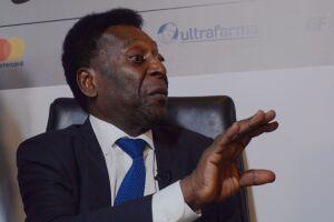 Pelé teve uma infecção urinária causada por um cálculo em ureter