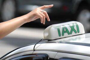 O Governo de São Paulo prorrogou a isenção do ICMS para taxistas até abril de 2020