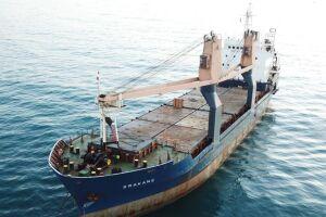 Foi realizada a troca de tripulação do navio panameño Srakane na manhã deste domingo (26).