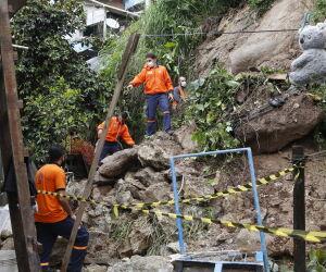 Guarujá intensifica vistorias nos morros após escorregamento de rochas