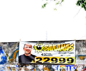 Propaganda eleitoral é mantida em Santos