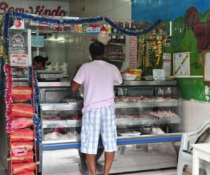 Matadouro clandestino de animais é interditado no Centro de Santos