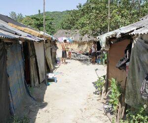 Comunidade indígena existe há 12 anos e enfrenta processo de reintegração de posse do Estado.