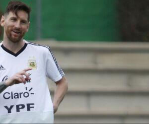 Atuação e humor de Messi deixam confuso até staff da Argentina