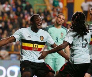 Com artilheiro da Copa, Bélgica goleia e fica perto das oitavas de final