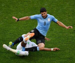 Suárez diz que se cobrou após atuação ruim em estreia na Copa