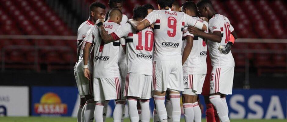 Com gol contra de Léo Ortiz, São Paulo vence o RB Bragantino no Morumbi