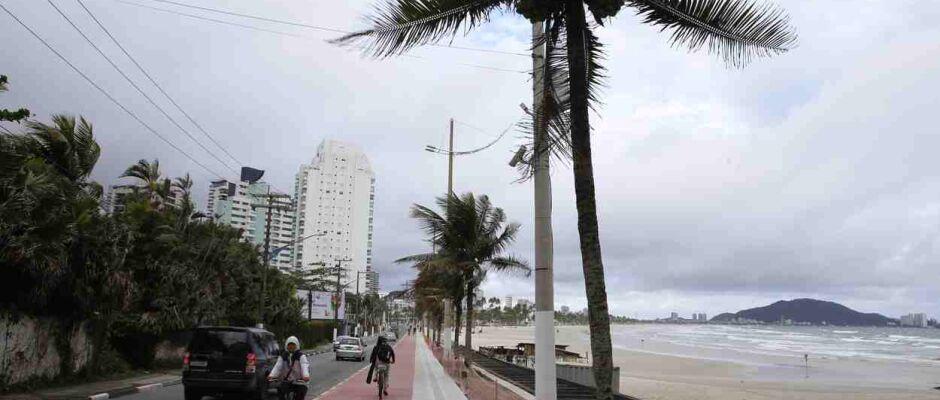Ciclofaixa está com 65% dos serviços executados em Guarujá