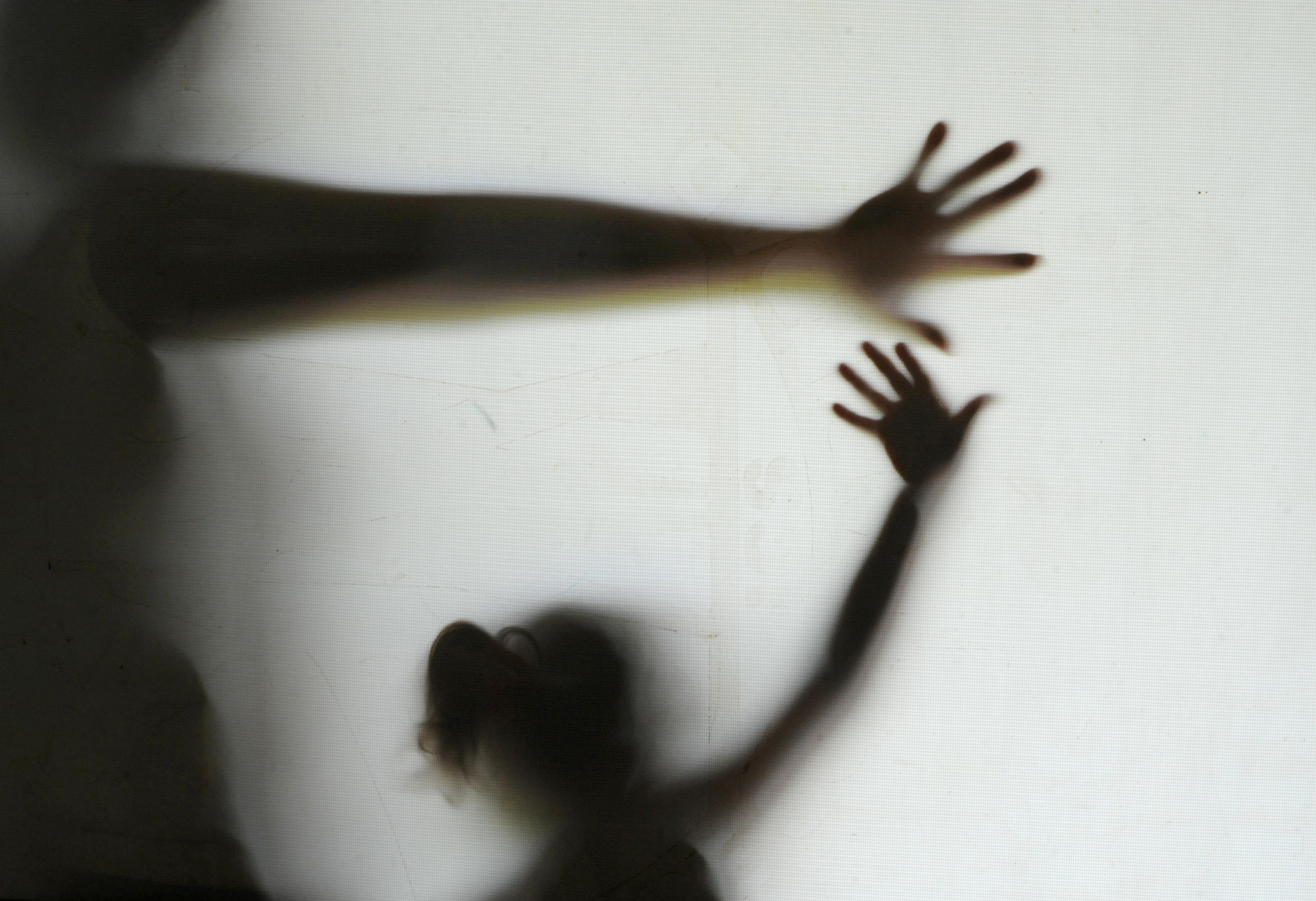 A situação chegou ao ápice quando uma menina de 13 anos,  faleceu no Complexo Hospitalar dos Estivadores após tentativa de suicídio