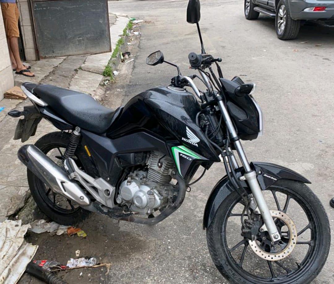 Honda CG Titan que foi utilizada no usada no crime, conforme as investigações (Foto: Reprodução)