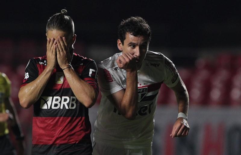 São Paulo 2 x 1 Flamengo no Morumbi pelo Brasileirão