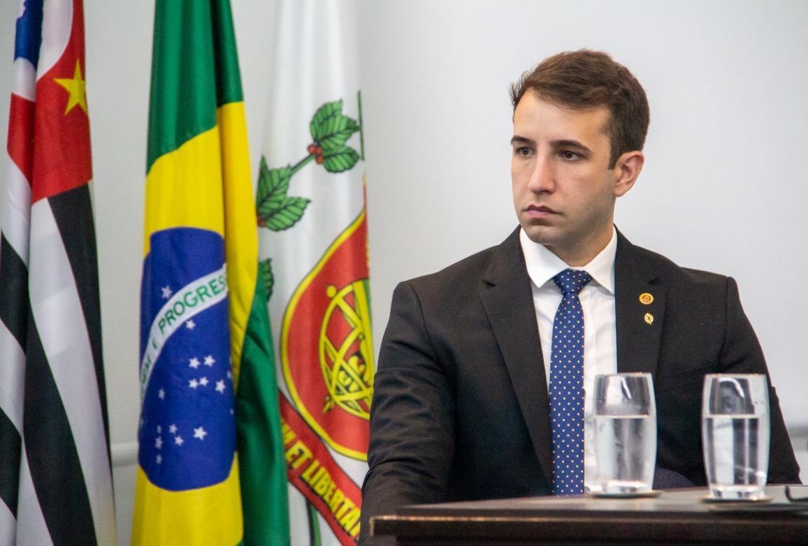 Tenente Coimbra (PSL/SP) solicitou ao governador João Doria a inclusão de todas as regiões do Plano São Paulo nos testes com plasma de doadores contaminados pela covid que já desenvolveram anticorpos