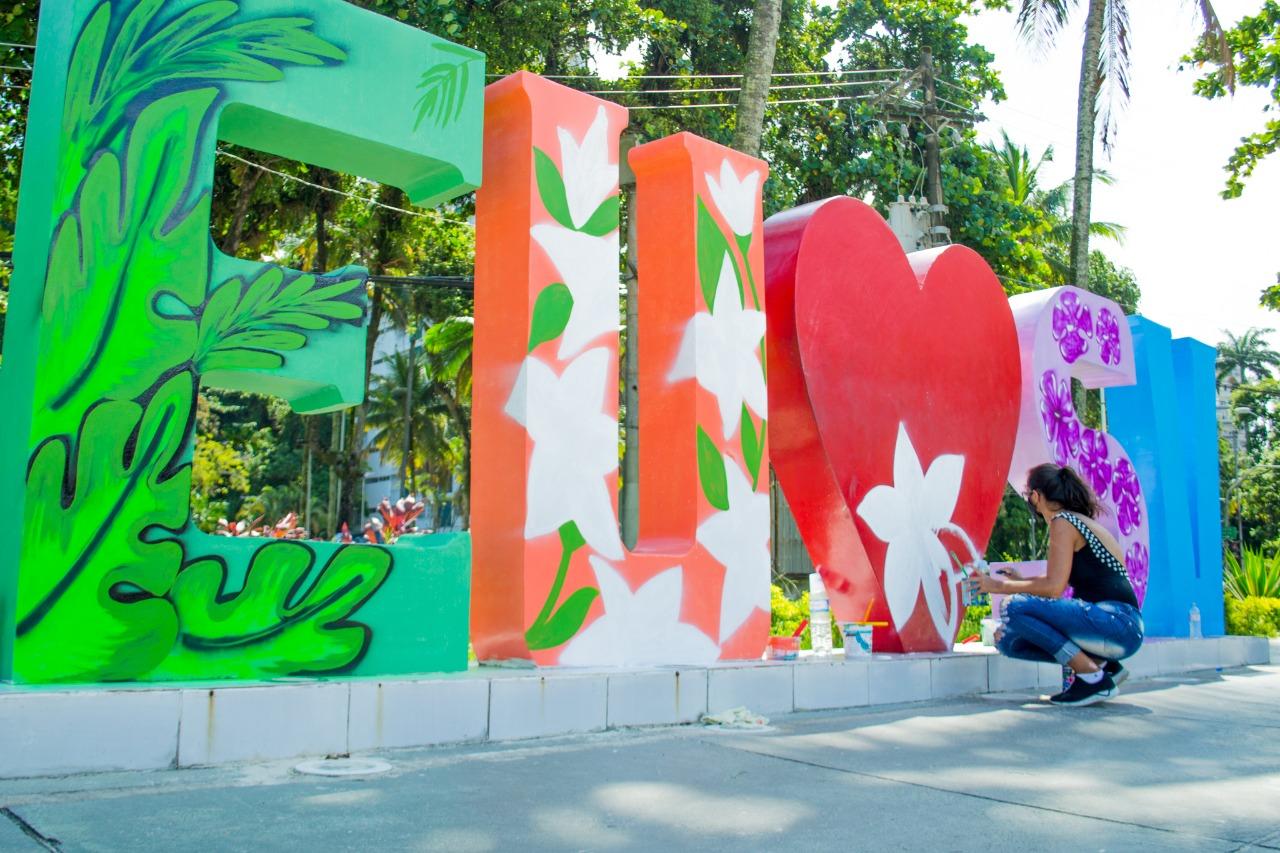 Monumentos de São Vicente ganham grafite no Dia da Mulher