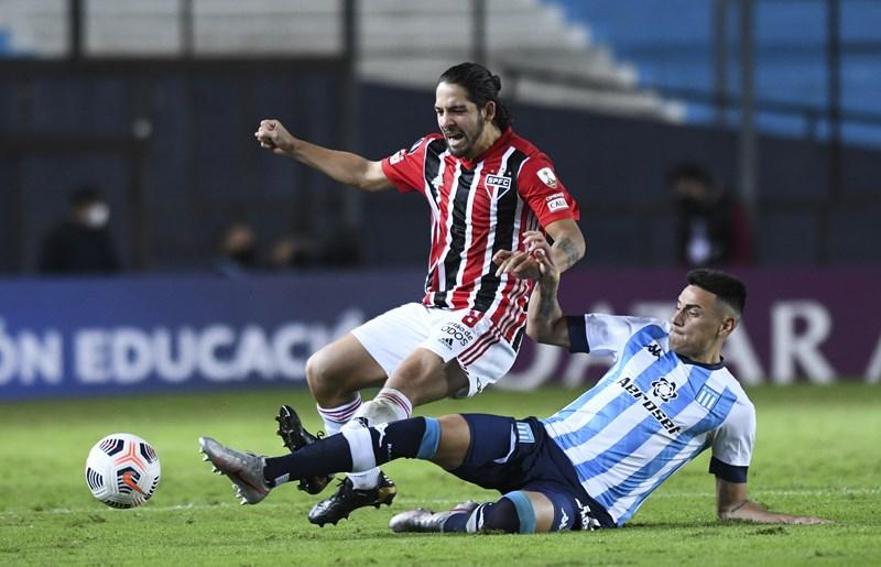 Confira imagens de Racing 0 x 0 São Paulo pela Libertadores