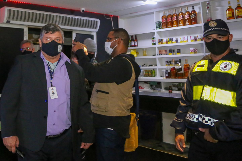 Polícia interrompe festa com mais de 600 pessoas em São Paulo