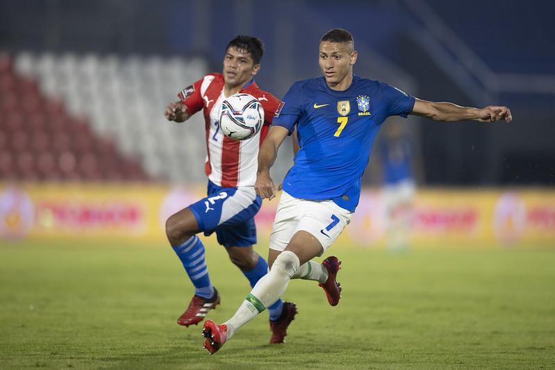 Confira fotos de Paraguai 0 x 2 Brasil pelas eliminatórias