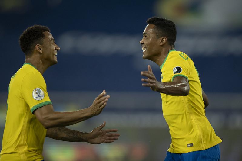 Confira as fotos de Brasil 4 x 0 Peru pela Copa América