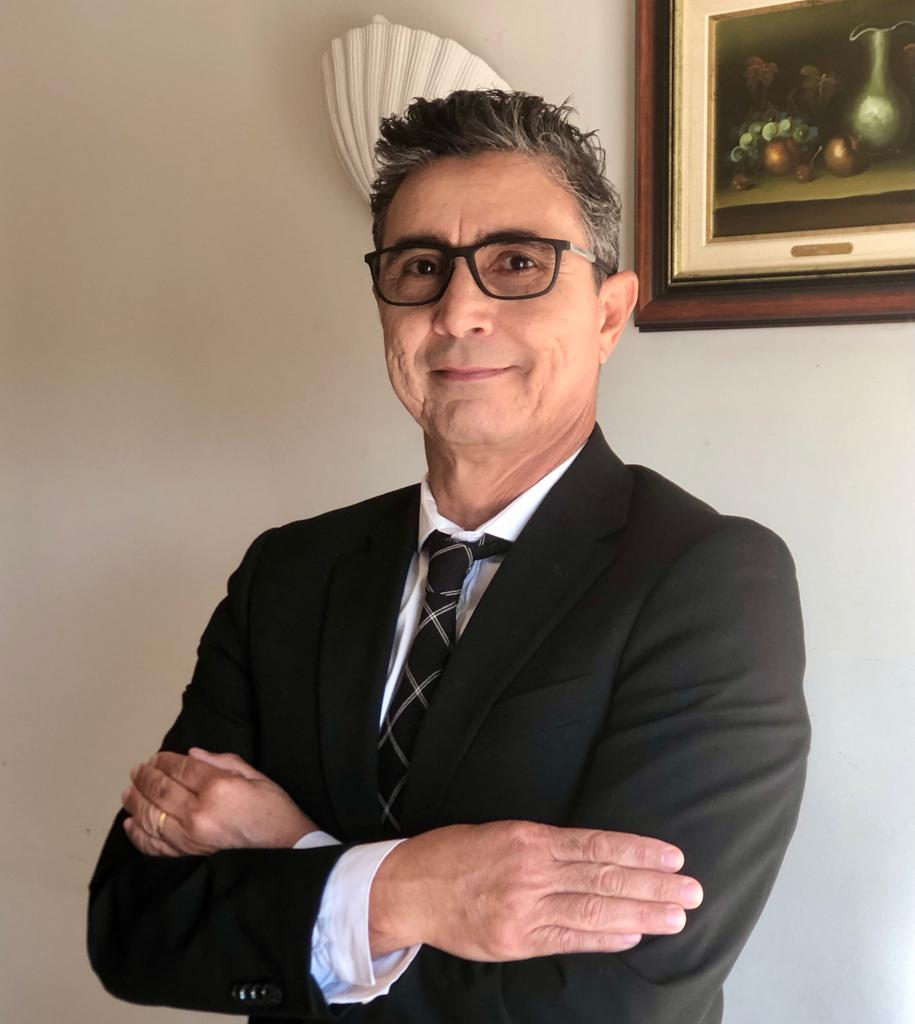 O Dr. Anselmo Costa está ao dispor para responder mais informações pelo seu e-mail anselmocostamelo@gmail.com