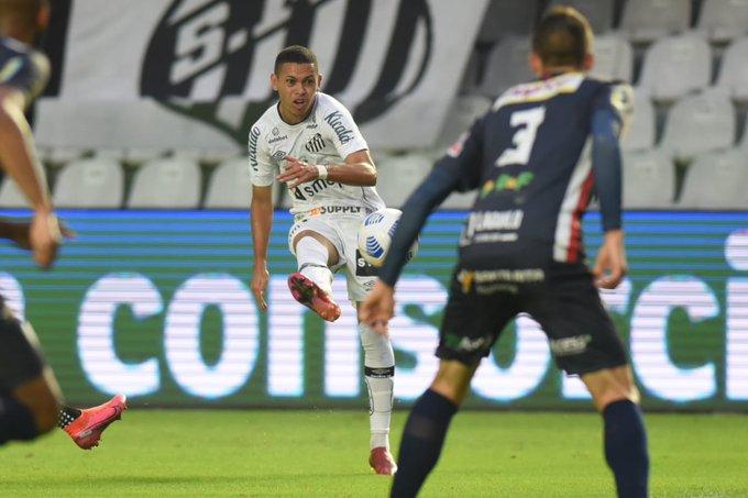 Veja fotos de Santos 1 x 0 Cianorte pela Copa do Brasil