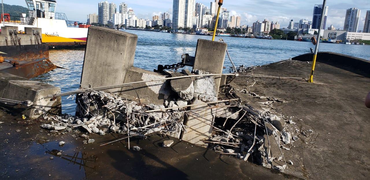 Primeira manhã após acidente de navio tem travessia calma para carros