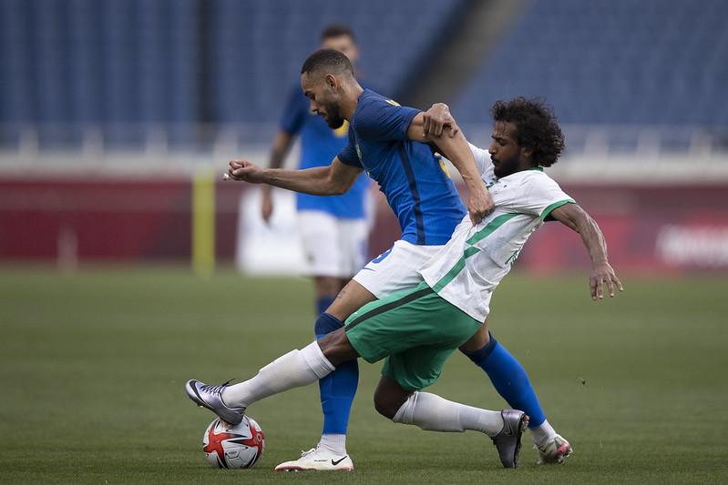 Brasil vence a Arábia Saudita e avança em primeiro nos Jogos