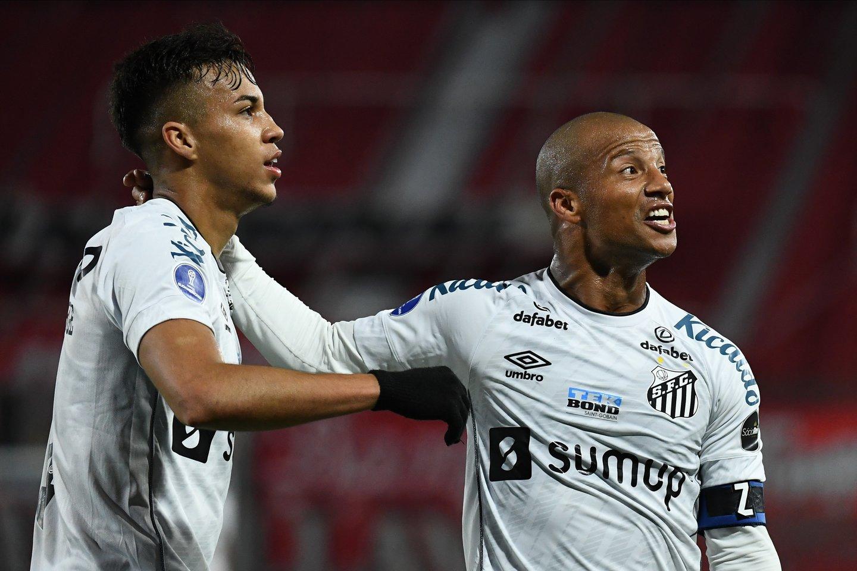 Veja fotos de Independiente 1 x 1 Santos pela Sul-Americana