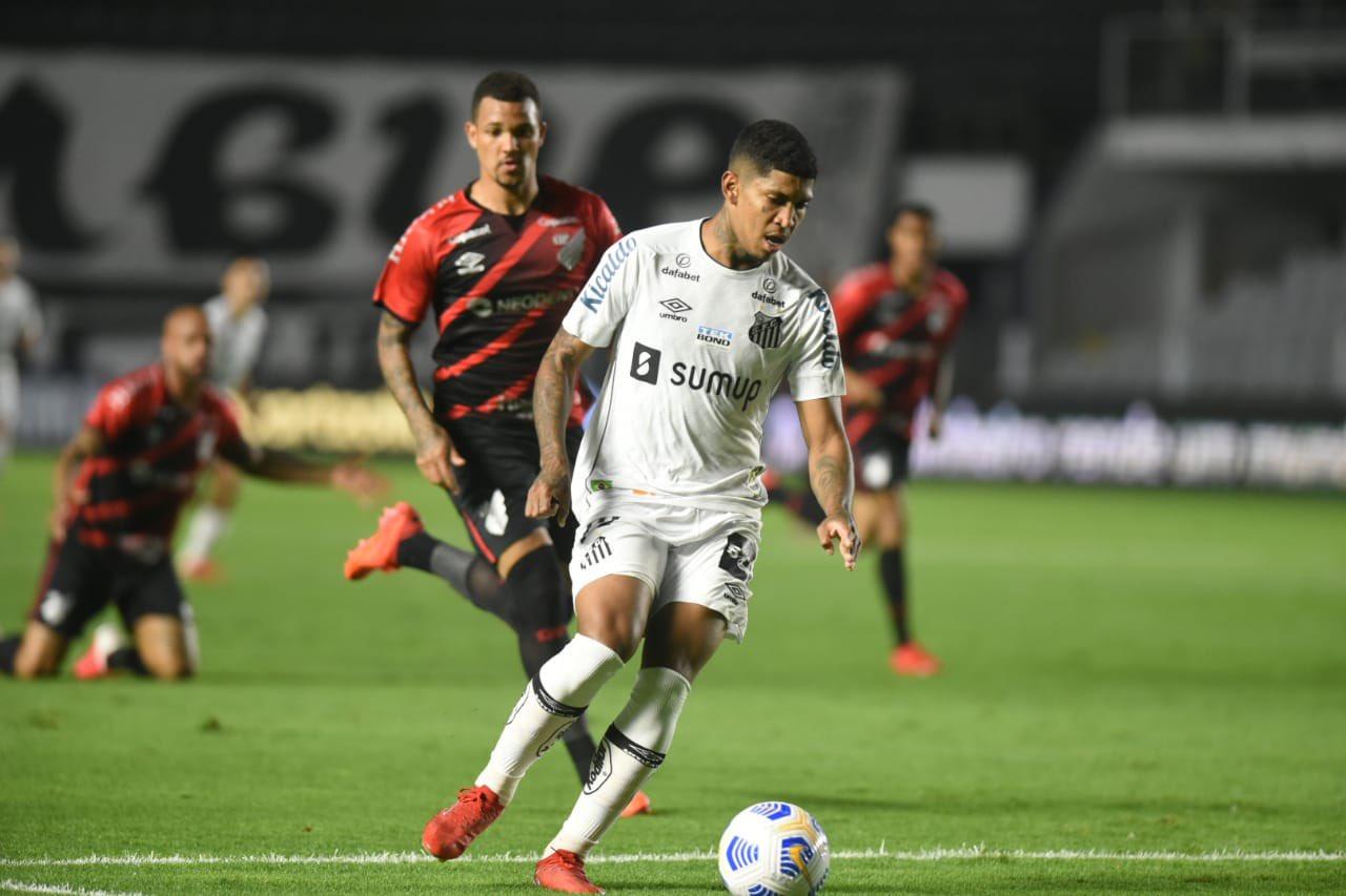 Veja fotos de Santos 0 x 1 Athletico pela Copa do Brasil