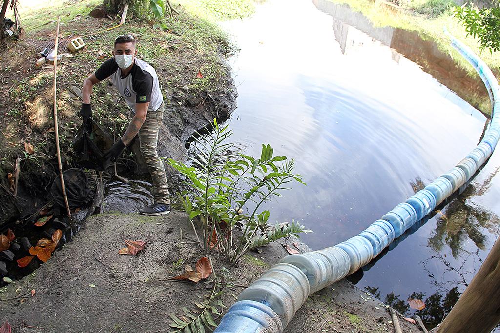 Itanhaém: Ecobarreira projeto quer despoluir Rio do Poço