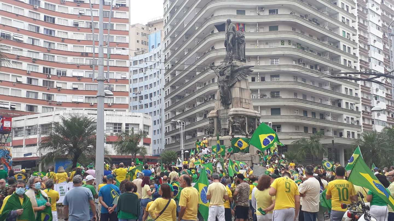 Ato pró-Bolsonaro em Santos, na Praça da Independência