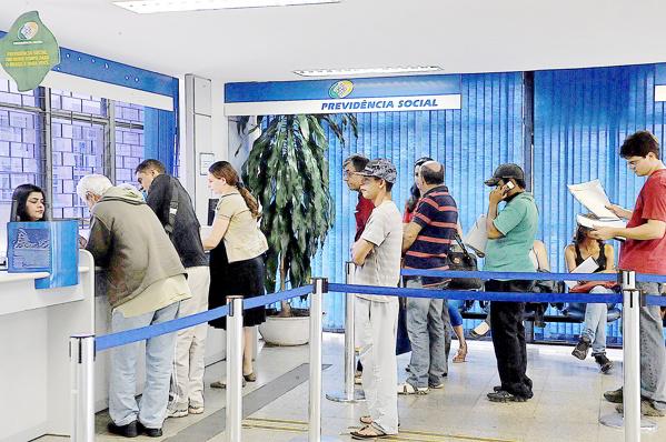 INSS começa a convocar 110 mil paranaenses para revisão de benefícios