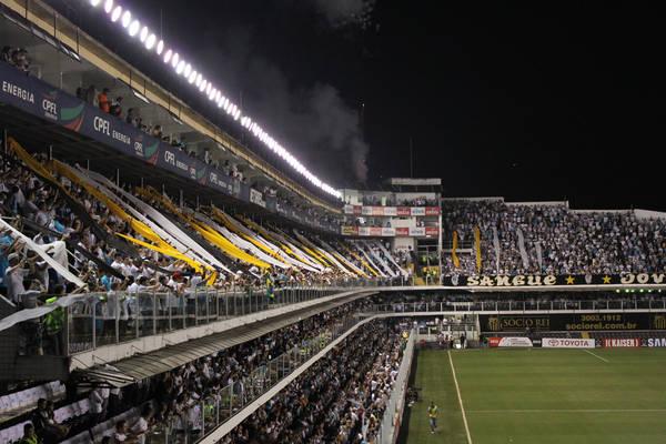 Santos e Palmeiras fecham rodada com clássico na Vila Famosa