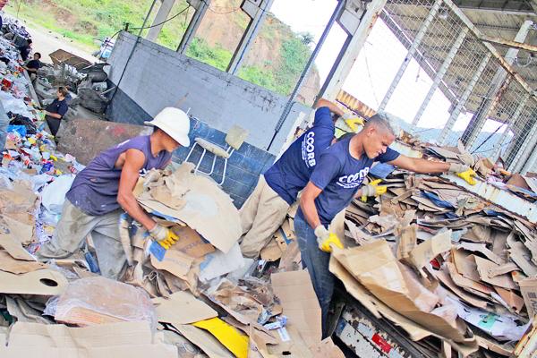 Trabalho em Bertioga é tratado como plano piloto pelo IPT para a elaboração do Plano Regional de Gestão Integrada de Resíduos Sólidos
