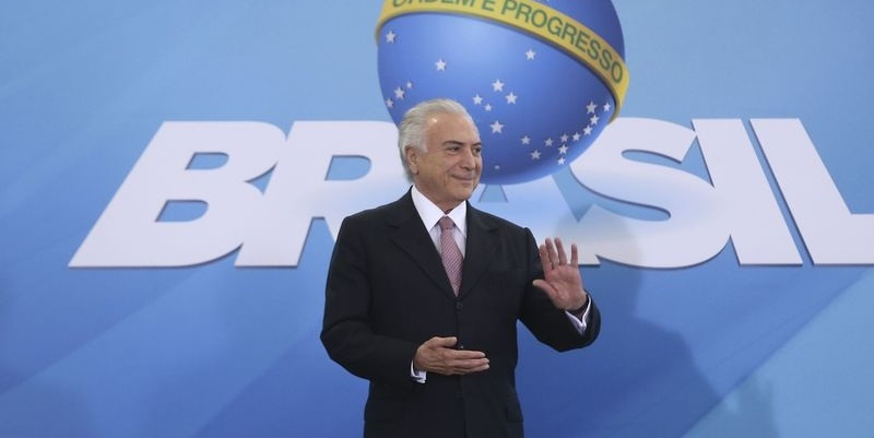 Regularização fundiária só saiu por força do PMDB, avalia Bezerra