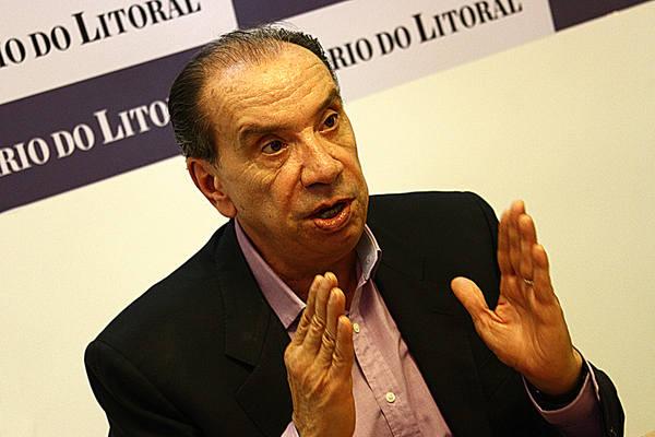 Aloysio Nunes critica tratamento que PSDB vem dando a Temer