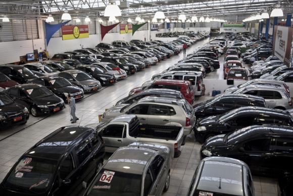 Fenabrave prevê alta de 4,3% na venda de automóveis em 2017