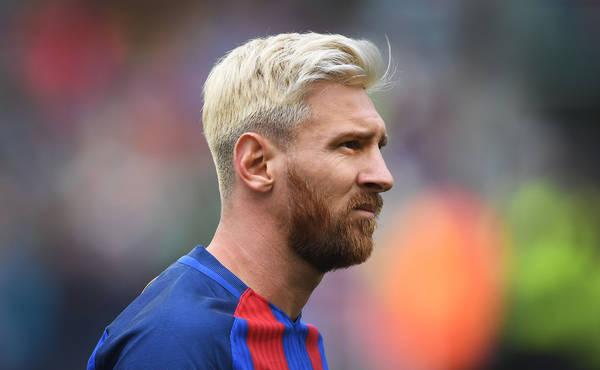 Lionel Messi renovou com o Barcelona até 2021 — É oficial