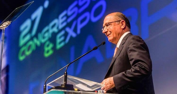 Presidência de Tasso no PSDB é 'pinguela', diz ala governista do partido