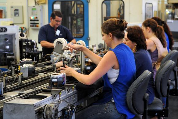 Produção industrial fica estagnada em junho no Brasil