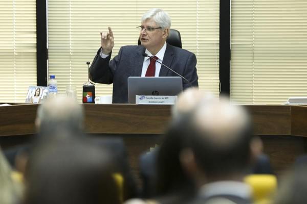Fachin envia denúncia contra Rocha Loures para Justiça de Brasília