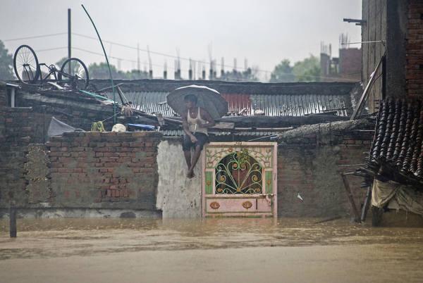 Inundações e deslizamentos de terra fazem pelo menos 25 mortos no Nepal