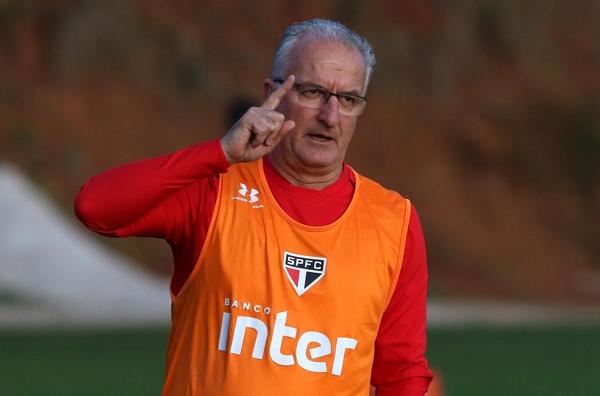 Muricy confirma contato e quer ajudar São Paulo